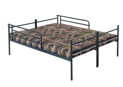 2 losse stapelbare bedden als 2-persoonsopstelling - € 159,- met matras met legertijk (a € 59,-) en uitvalrekken (a € 27,50 per stuk)